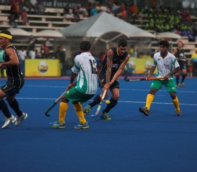 Kiwis and India stand tall, Aussies on fire
