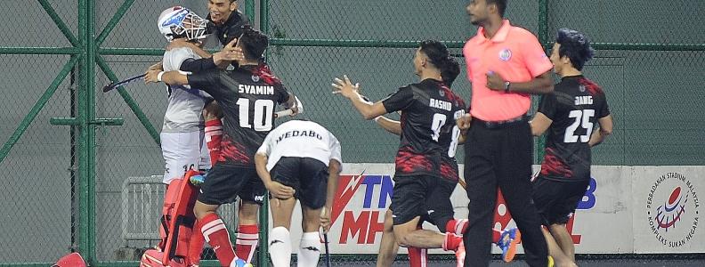 Piala Tan Sri P. Alagendra: Roslan Muncul Wira Bantu KLHC Julang Piala